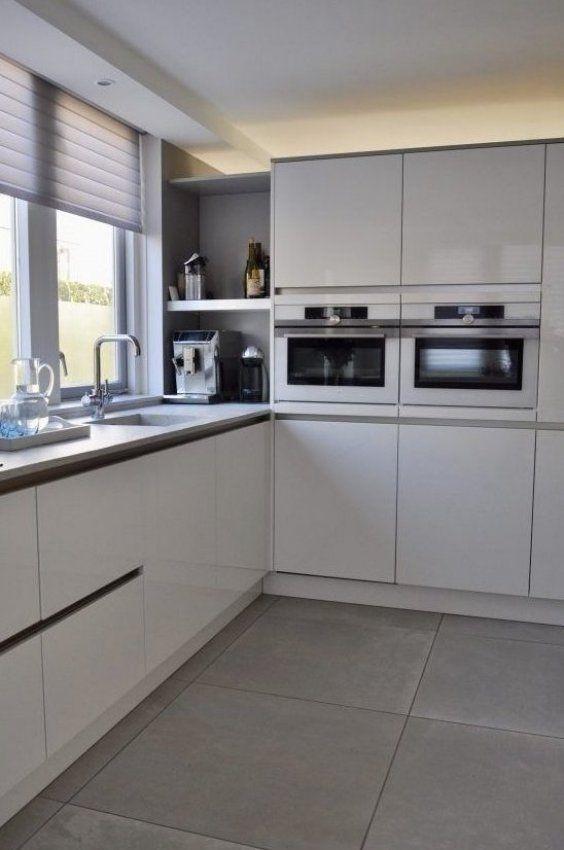 Blick hinein ein Wohnzimmer und eine K che im modernen Designstil in Houten Blick Designstil Ein ...