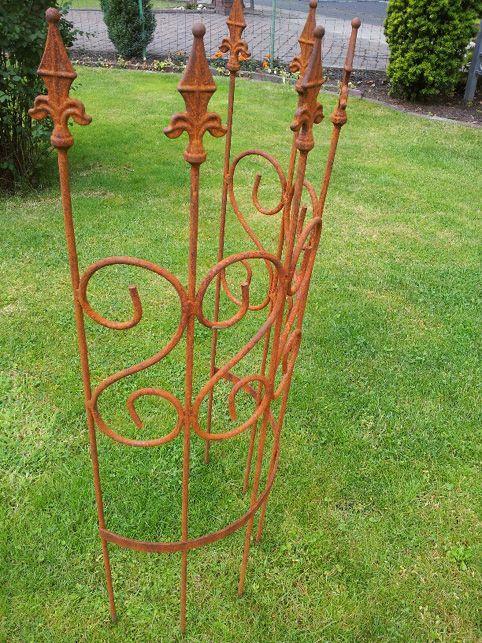 Rankhilfe halbrund pflanzenhalter kunstvoll aus edelrost for Rostige gartendeko