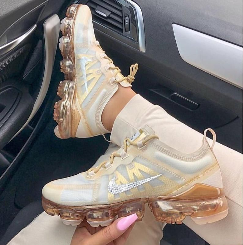 Nike Vapormax 2019 + Hand Customized Swarovski Crystals – Cream/Gold