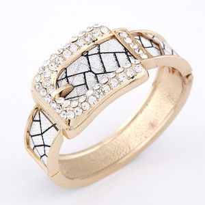 Drilling Fashion Cracks Pattern Belt Design Bangle - Golden