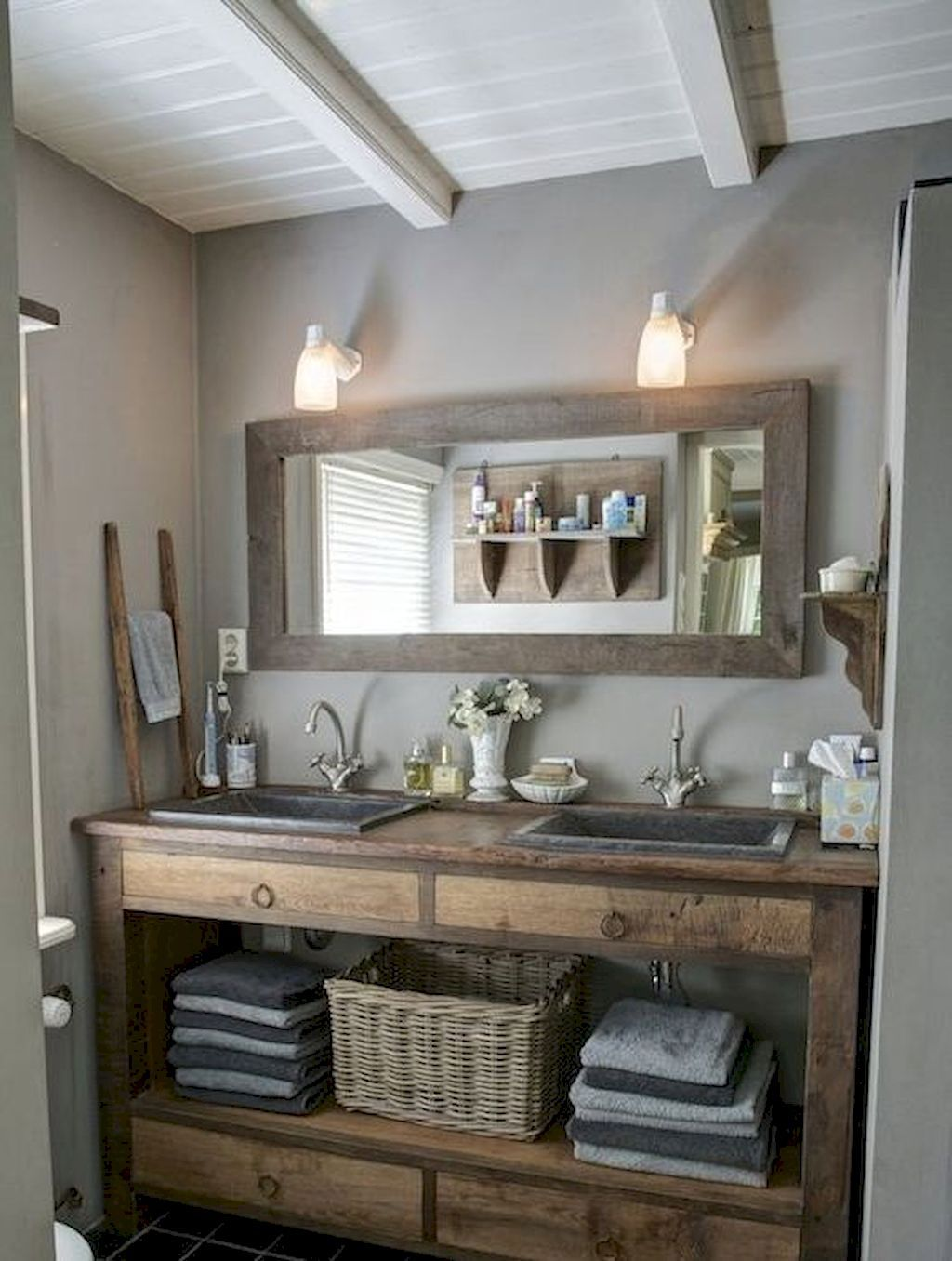 125 awesome farmhouse bathroom vanity remodel ideas - Bathroom vanity with farmhouse sink ...