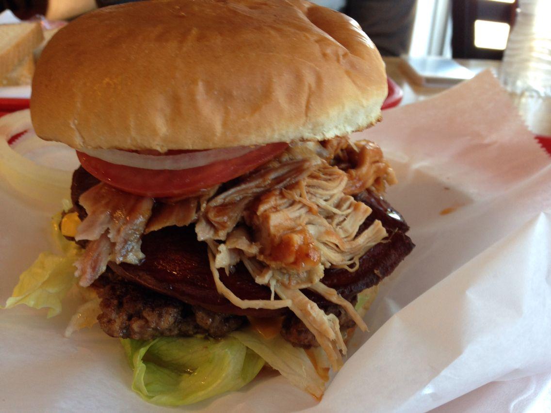 swamp burger in selma alabama lannie u0027s bbq 2 burger patties bbq