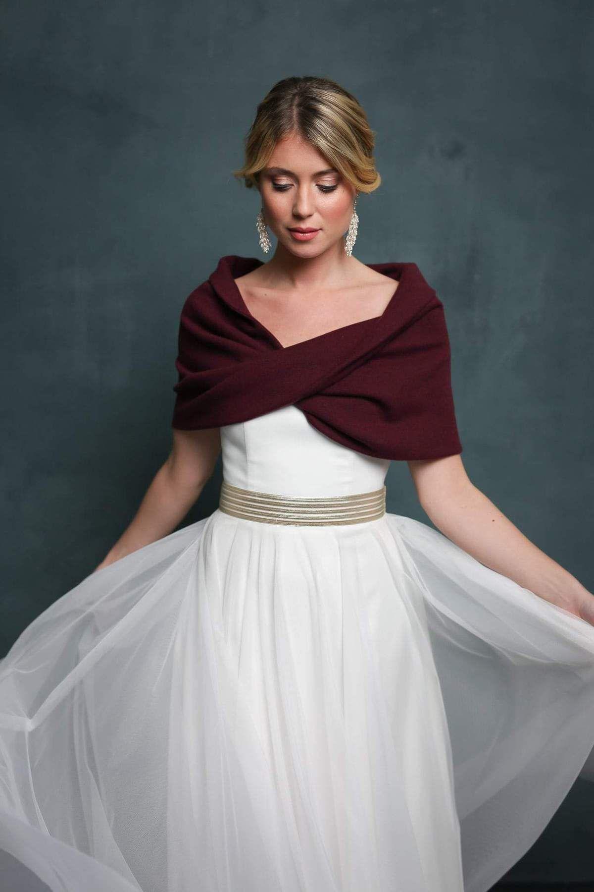 Kuscheliger Braut Schal, Loop in Bordeaux Rot zum Brautkleid in