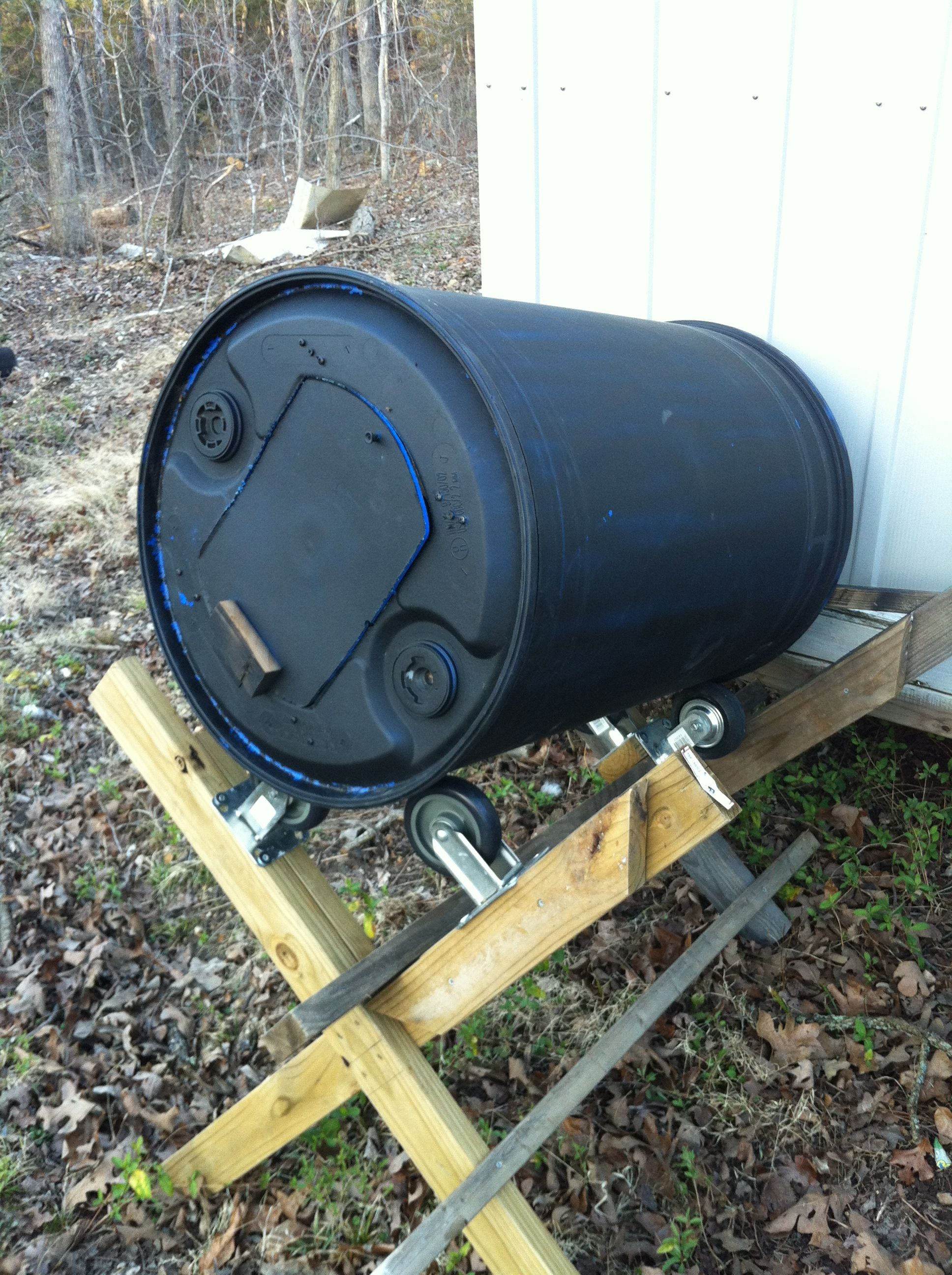 Compost Tumbler from an old plastic barrel and some rollers. Makes ...