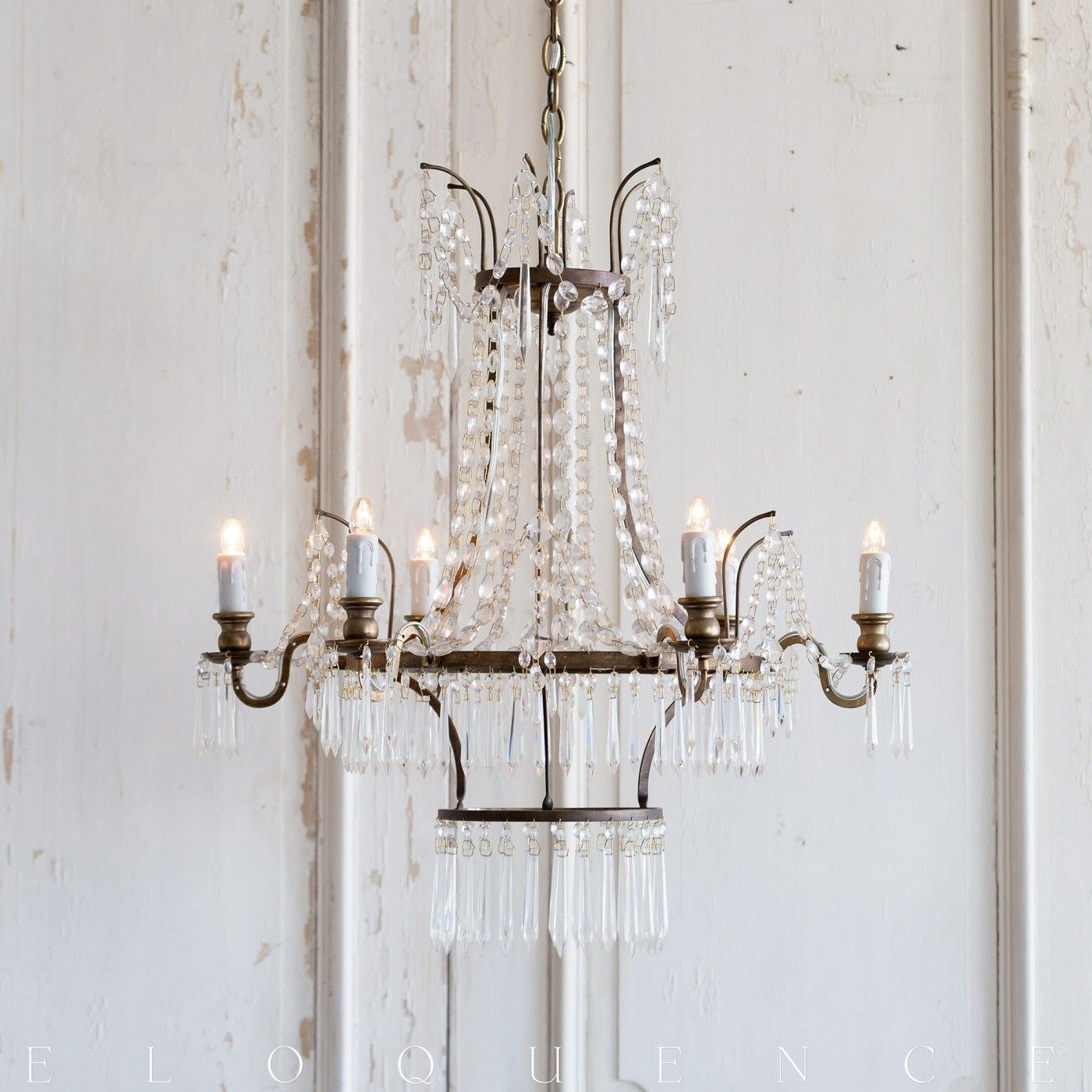 The Henrik Chandelier Is A Stunning Re Edition Of An 18th Century Gustavian Antique Shabby Chic Chandelier Inspiring Room Decor Country Style Decor