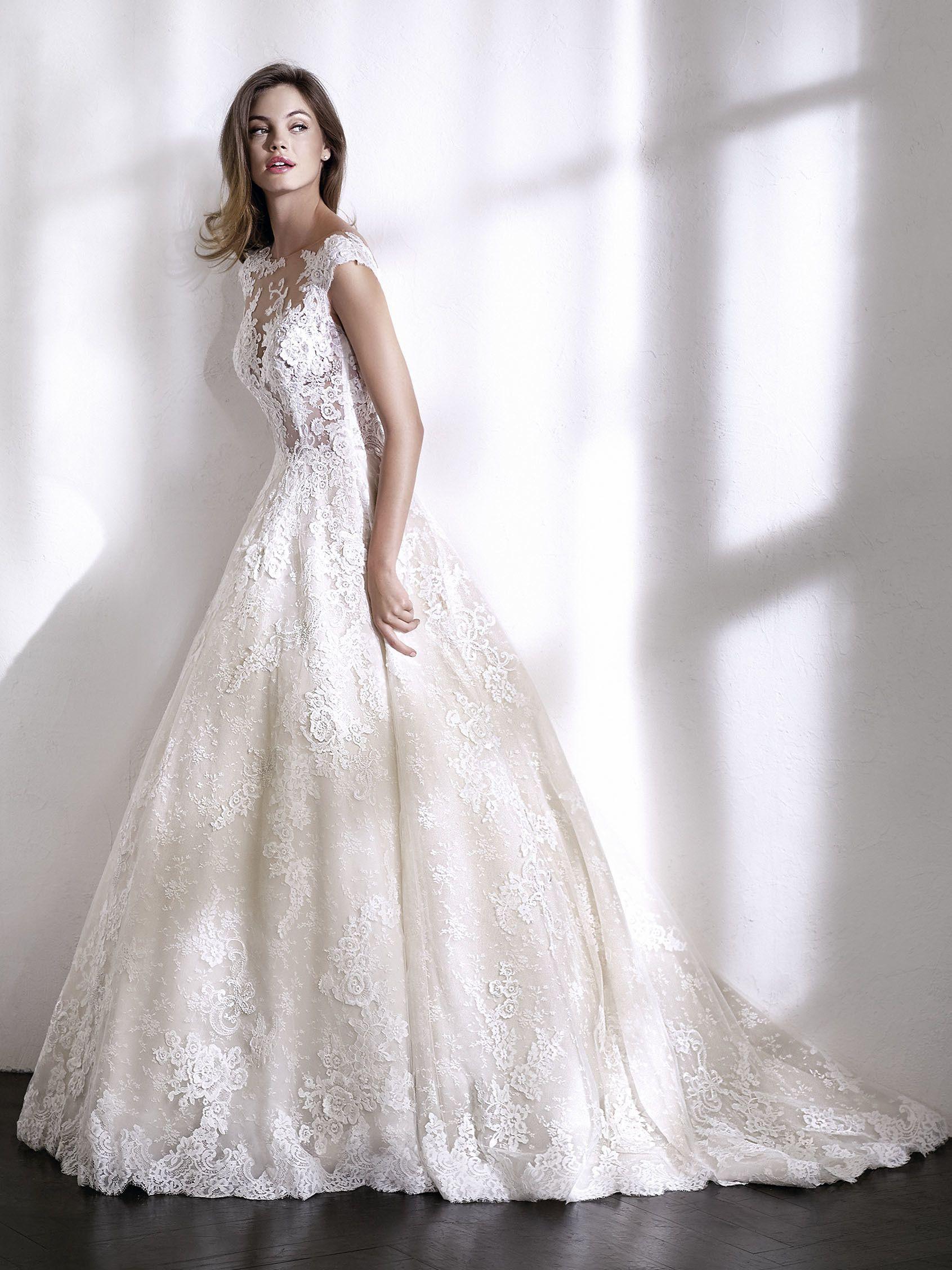 bb9788f63d1e LOIDA. Romantico abito da sposa
