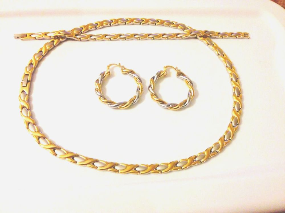 Hugs and Kisses Necklace Bracelet Earring Set Stampato Stainless Steel Gold Tone