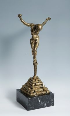 """35002319. DALÍ I DOMÈNECH, Salvador (Figueras, Girona, 1904 – 1989). """"Cristo de San Juan de la Cruz"""". Escultura en bronce , ejemplar A-263/350. Numerada. Adjunta certificado de autenticidad. Medidas: 43 x 20,5 cm (escultura), 6 x 16 x 16 cm (peana)."""