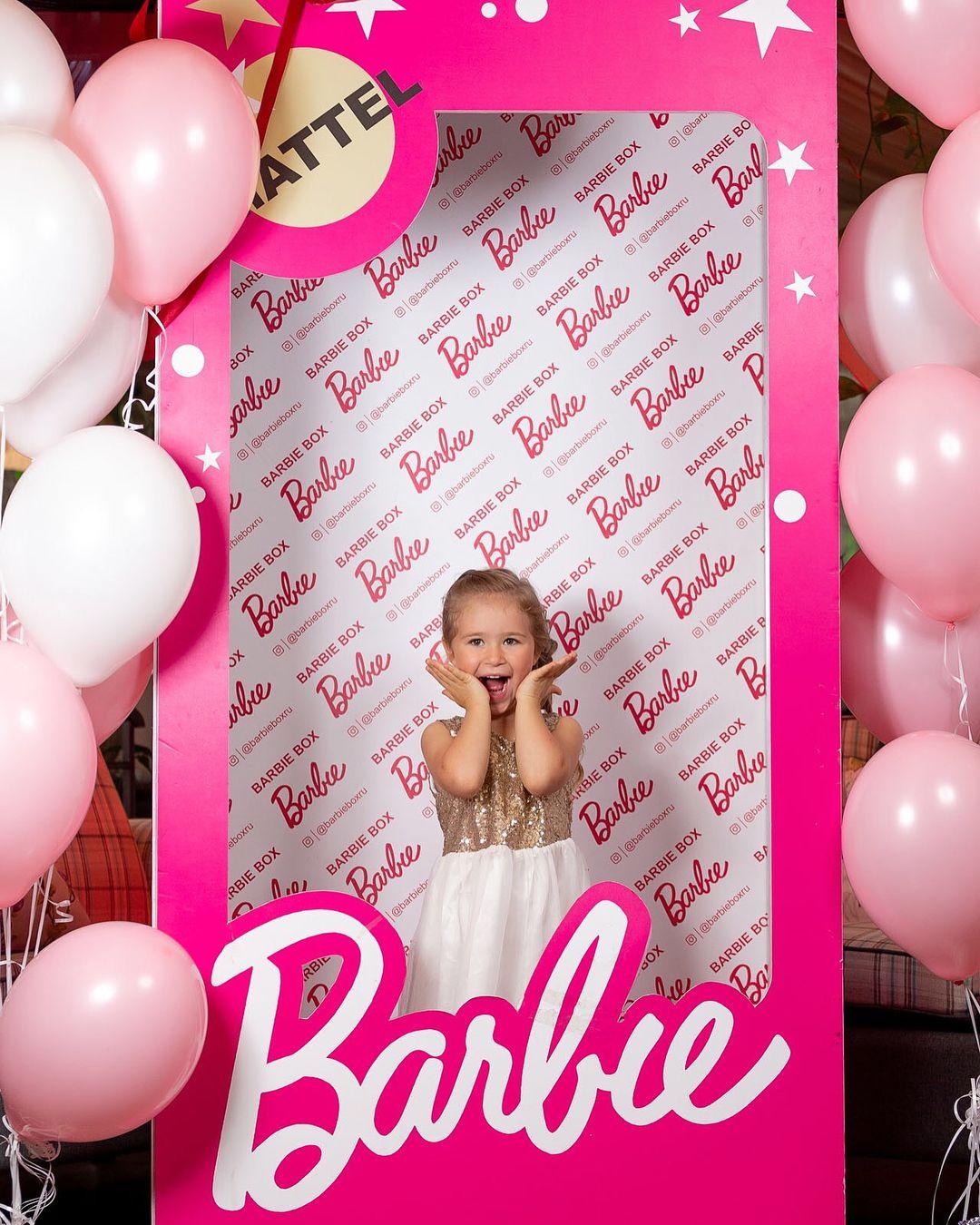 Вы только гляньте на эту модель Может в актрисы ее подать? . . #мояниколь #николь #доченька #мамавдекрете #happy #дочкиматери #барби #family #baby #Nicole #love #instagram #instagood #barbie