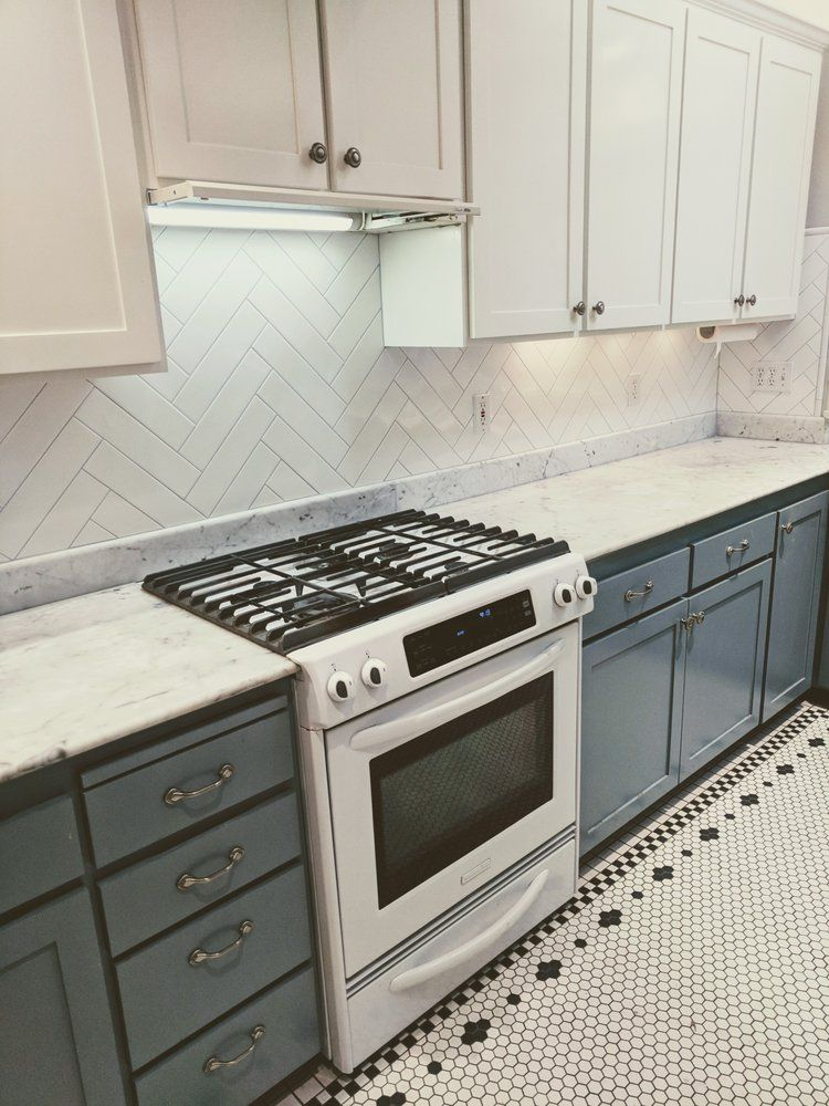 Herringbone Tile Backsplash In White 3x12 Tiles With Light Grey Grout Yelp Trendy Kitchen Tile Kitchen Backsplash Kitchen Tiles Backsplash