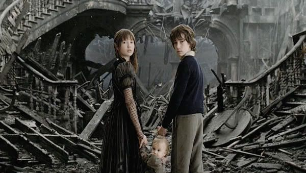 Resultado de imagen de a series of unfortunate events production design