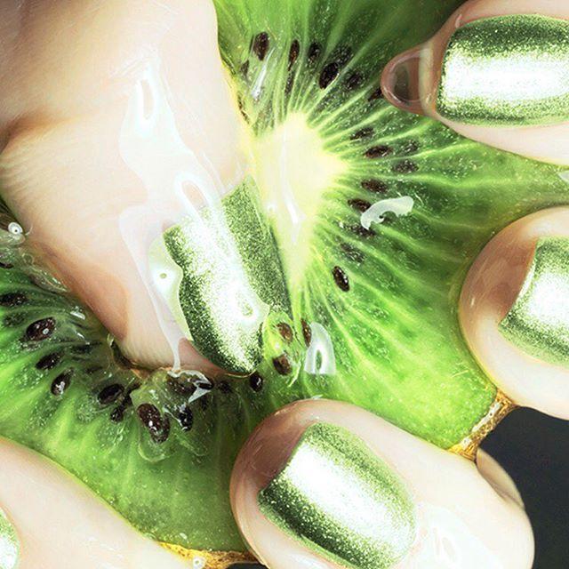 #AcanthaGirl ¿Sabías que el #Kiwi esta lleno de antioxidantes y vitamina C, que traen múltiples beneficios para la salud y la belleza?