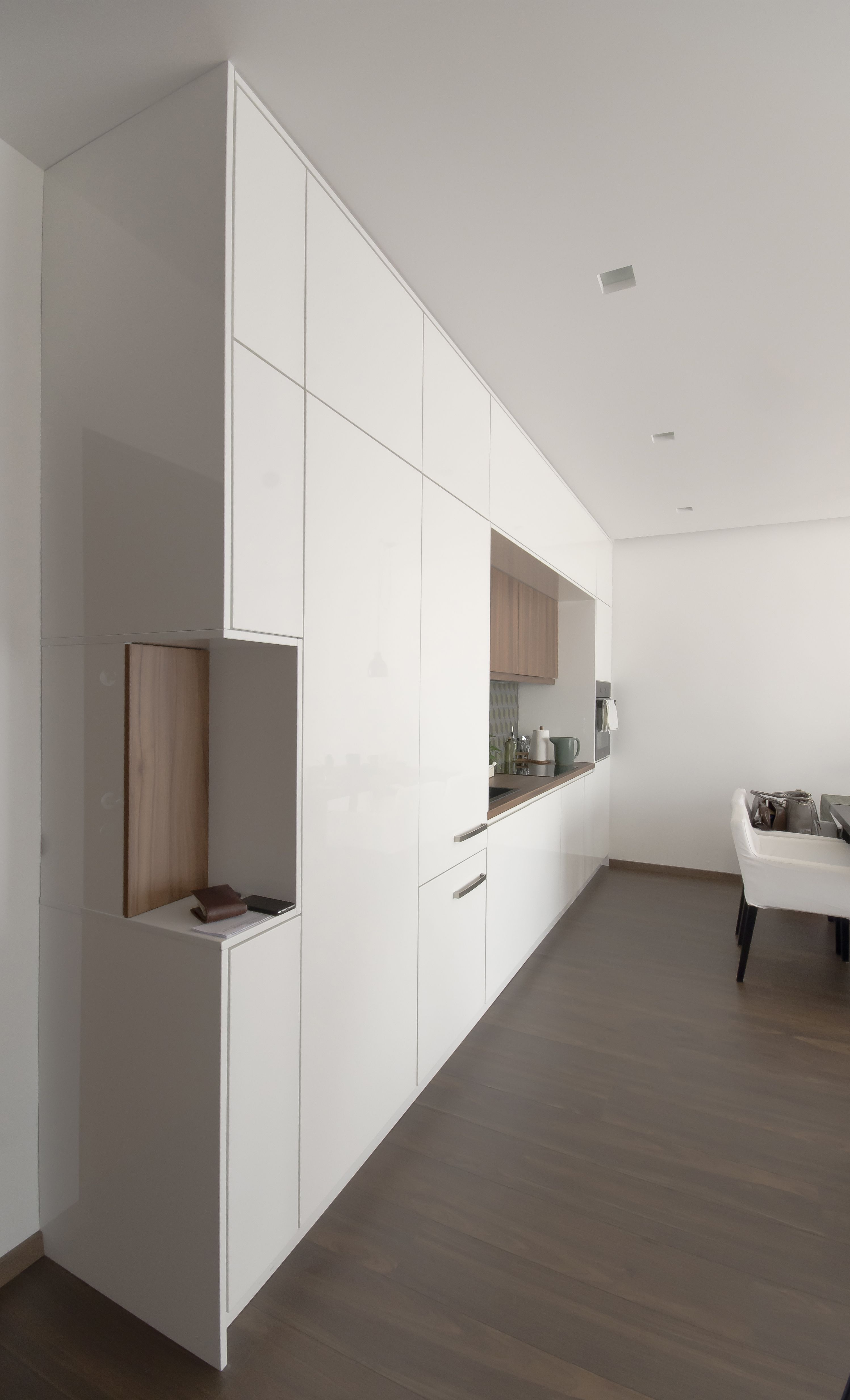 White Kitchen Interior, White Kitchens, Minimal Design, Small Apartments, Kitchen  Designs, Minimalist Design, Small Flats