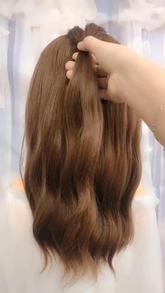 Hairstyles For School Easy Hairstyles For Long Hair Videos Hairstyles Tutorial Hairstyl In 2020 Long Hair Styles Hair Styles Hair