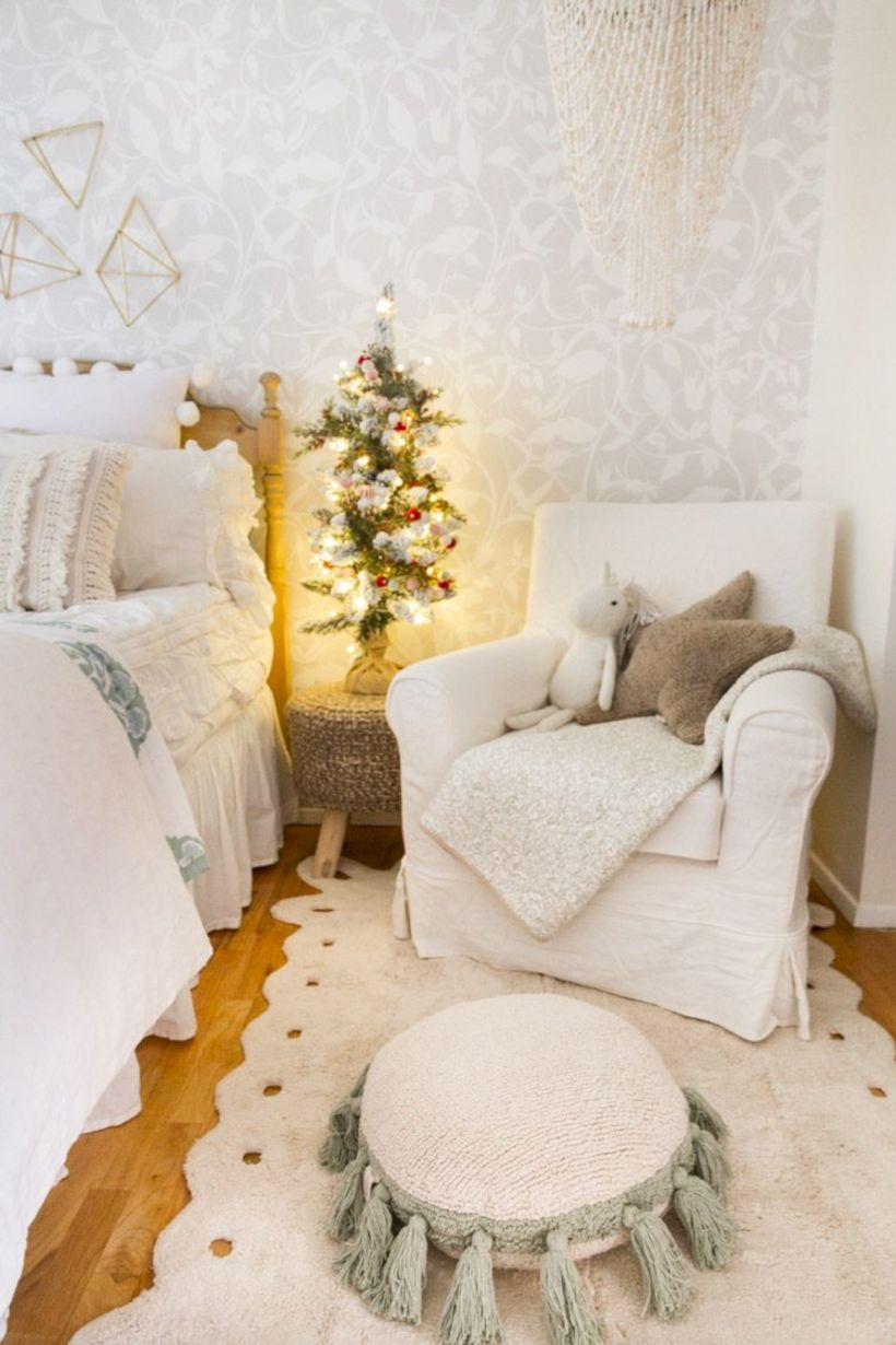 40 Cute Christmas Bedroom Decor Ideas for kids images
