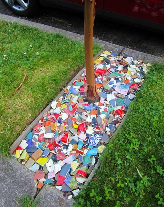 Repurpose Broken Plates for Colorful Garden Ground Cover