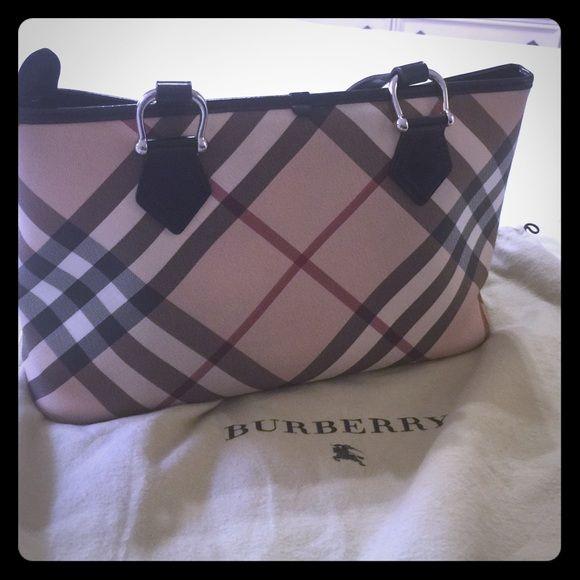 f5cb3a602318 Authentic Burberry handbag Very nice bag