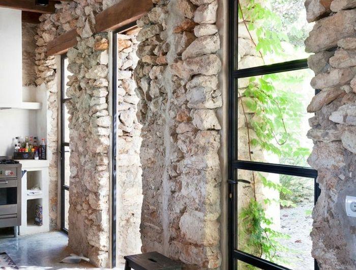 le mur en pierre apparente en 57 photos int rieurs. Black Bedroom Furniture Sets. Home Design Ideas