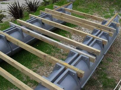 pin von fort wood auf pontoon boats pinterest katamaran bootsbau und hausboote. Black Bedroom Furniture Sets. Home Design Ideas