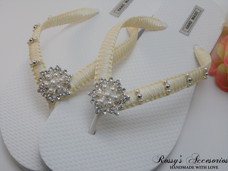 ffd04b9bc Bridal Ivory Flip Flops   Wedding White Color Flip Flops   Wedding Shower  Flip Flops   Bride Gift   Bridesmaids Shoes  Wedding Shoes.