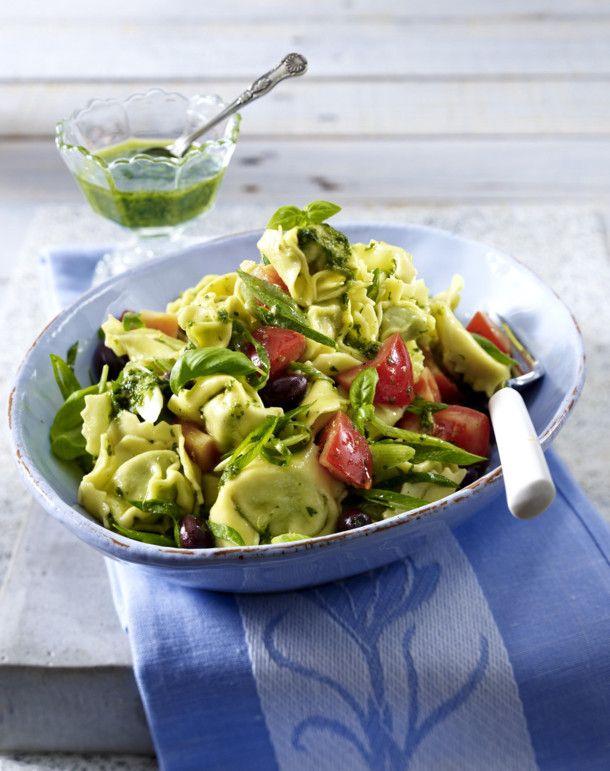 Tortellini-Salat mit Pesto und Tomaten Rezept Food and drink and Food