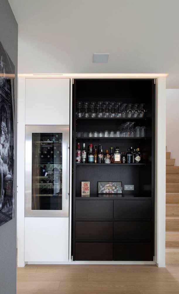 Bar Em Casa Embutido Na Parede Destaque Para A Mini Geladeira Em