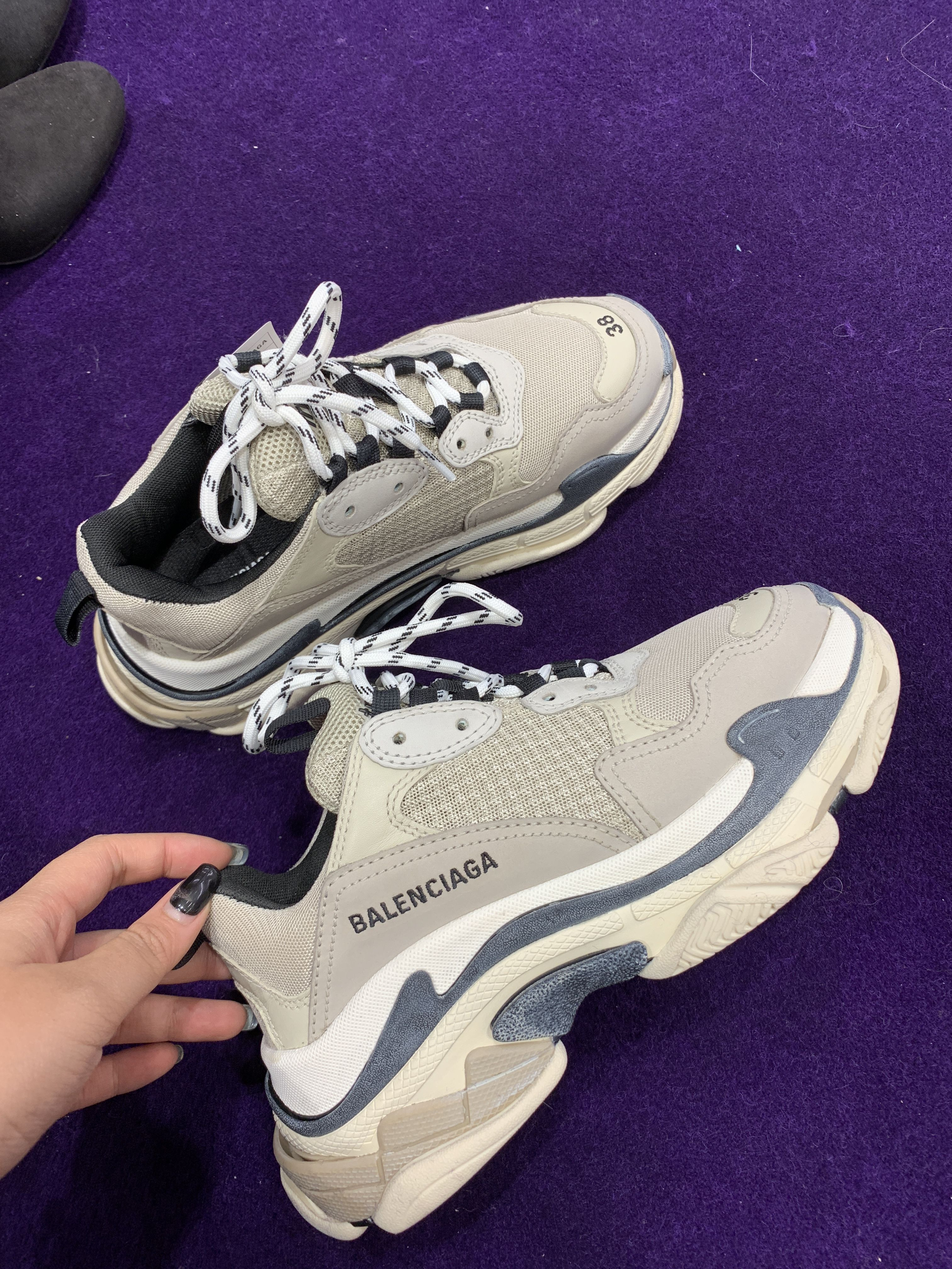 premium selection 5cfcd ef38d Balenciaga tripple s for women ❣️new colour November 2018 ...