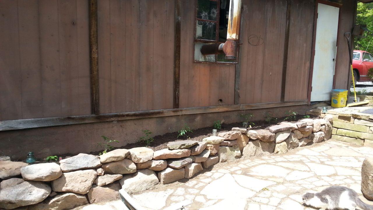 Finished Stacked Stone Planter Box Stone Planters Planter Boxes Stacked Stone