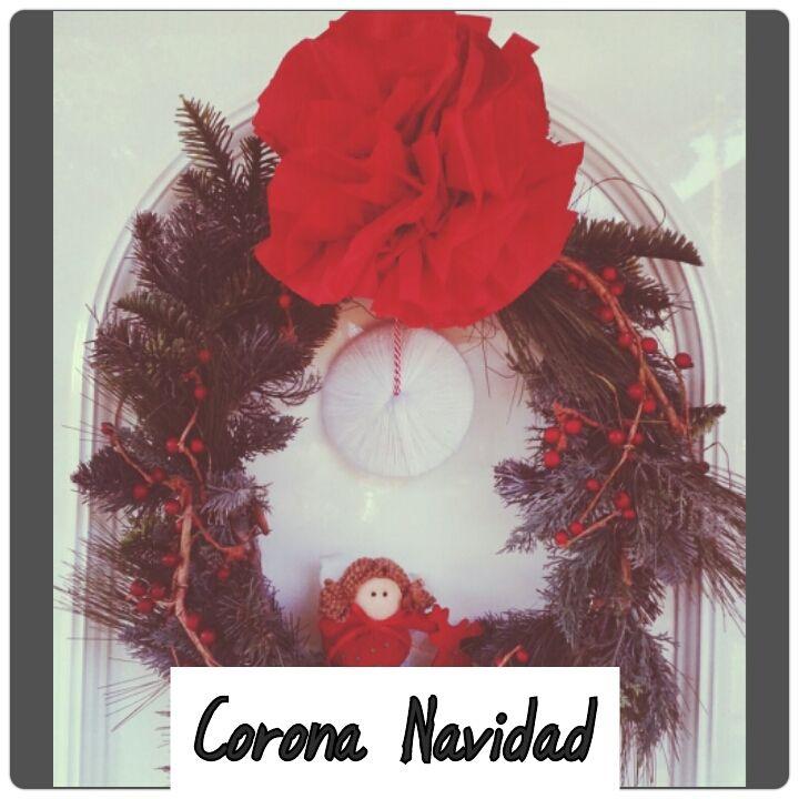 DIY Corona de Navidad con flor de papel y un cd forrado de lana