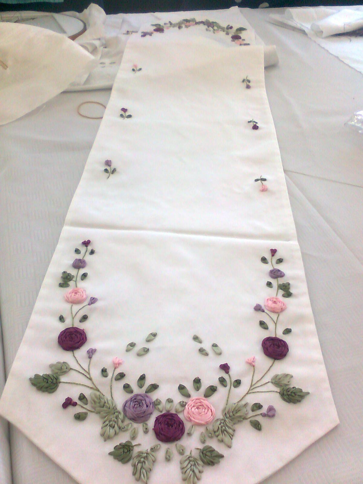 Los mejores diseños bordado en liston | caminos de mesa bordados de ...