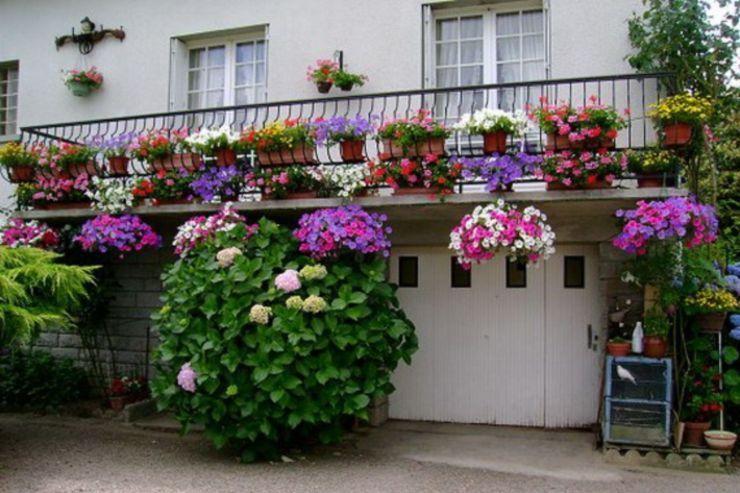 60 Amazing Small Balcony Garden Design Ideas – ROUNDECOR #apartmentbalconygarden… Balkon