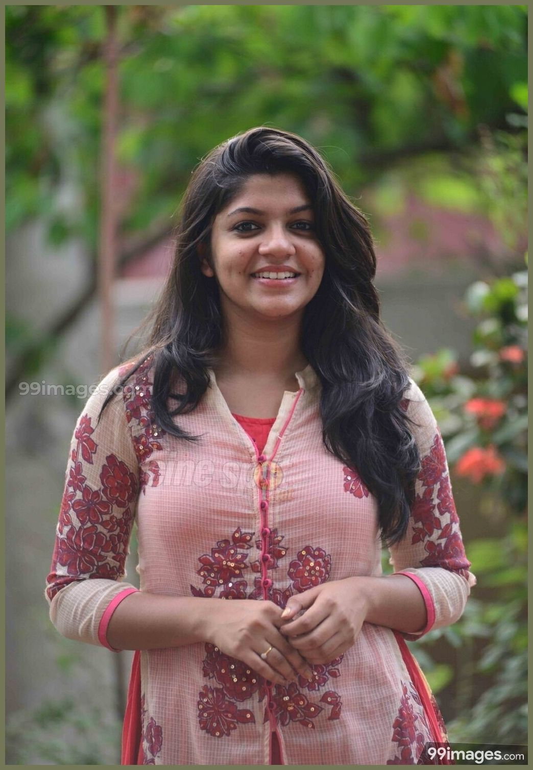 Aparna Balamurali Beautiful Hd Photoshoot Stills 1080p 9477 Aparnabalamurali Ac Beautiful Indian Actress Most Beautiful Indian Actress Beauty Full Girl