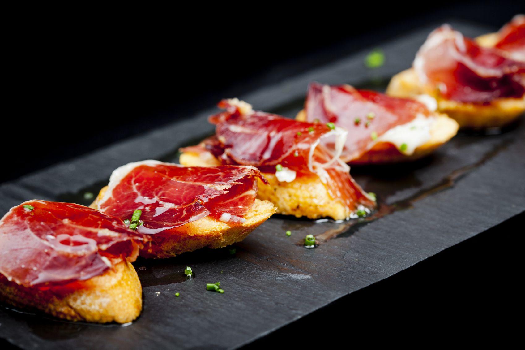 Tenemos Muchos Tipos De Jamones Cual Es Tu Preferido Gastronomia Tapas Comida Etnica