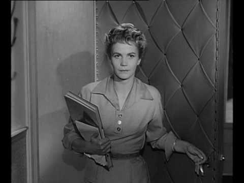 Die Stadt ist voller Geheimnisse (1955) Filme, Geheimnis