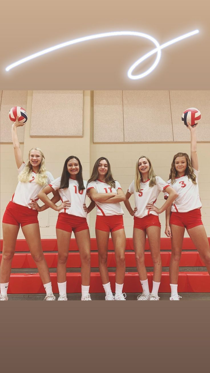 Volleyball Players High School Volleyball In 2020 Volleyball Outfits Women Volleyball Volleyball Team Pictures