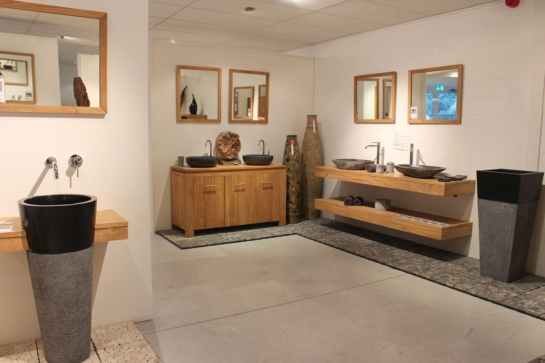Teakhouten badmeubelen, natuurstenen waszuilen, waskommen en nog ...