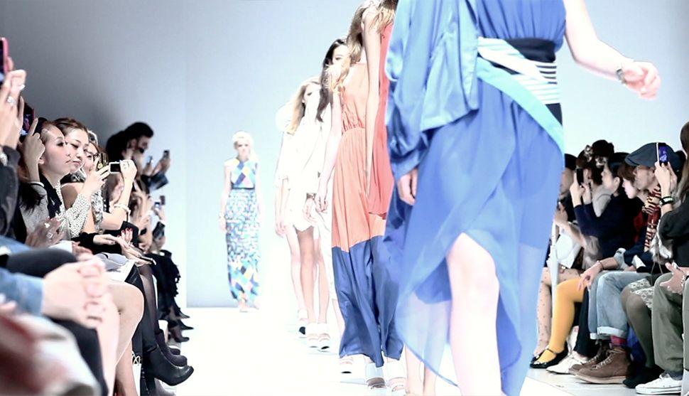 DECEVIE.. WLONGE | MercedesBenz Fashion Week TOKYO 2013 S/S | LIGHT THE WAY DESIGN OFFICE  #lighttheway #MercedesBenz #Fashion #RUNWAYS #FashionWeek #tokyo #backstage #DECEVIE