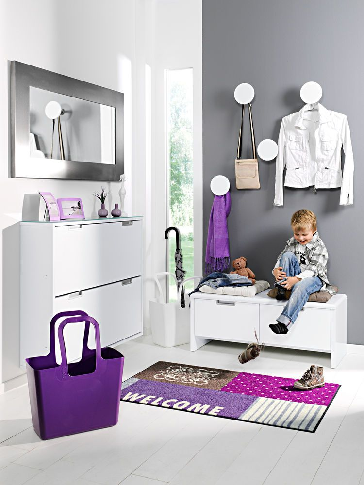 interieur violet couleur vive penser mettre un banc et des cousins dans l 39 entr e des enfants. Black Bedroom Furniture Sets. Home Design Ideas