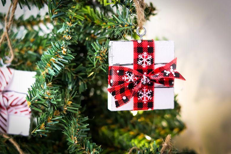 How To Make A Gift Box Ornament Using Dollar Tree Supplies Handmade Christmas Ornaments Christmas Ornaments Mercury Glass Christmas Ornaments
