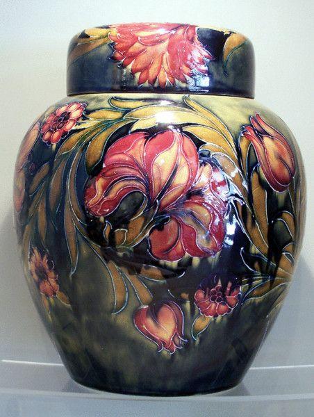 William Moorcroft Vase England Moorcroft Pottery Pinterest