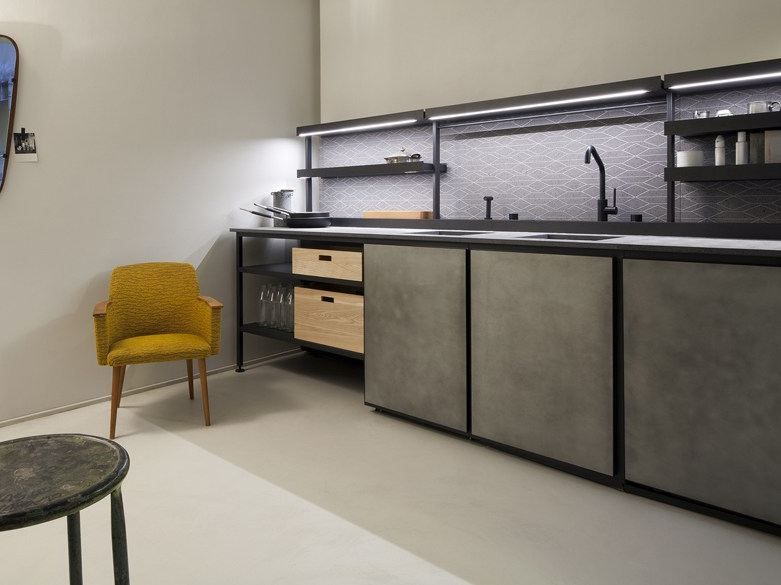 Modular kitchen salinas by boffi design patricia for Boffi outlet
