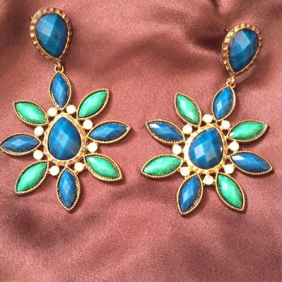 Earrings Amrita Singh Wore once. Original Amrita Singh. Perfect condition. Amrita Singh Jewelry Earrings