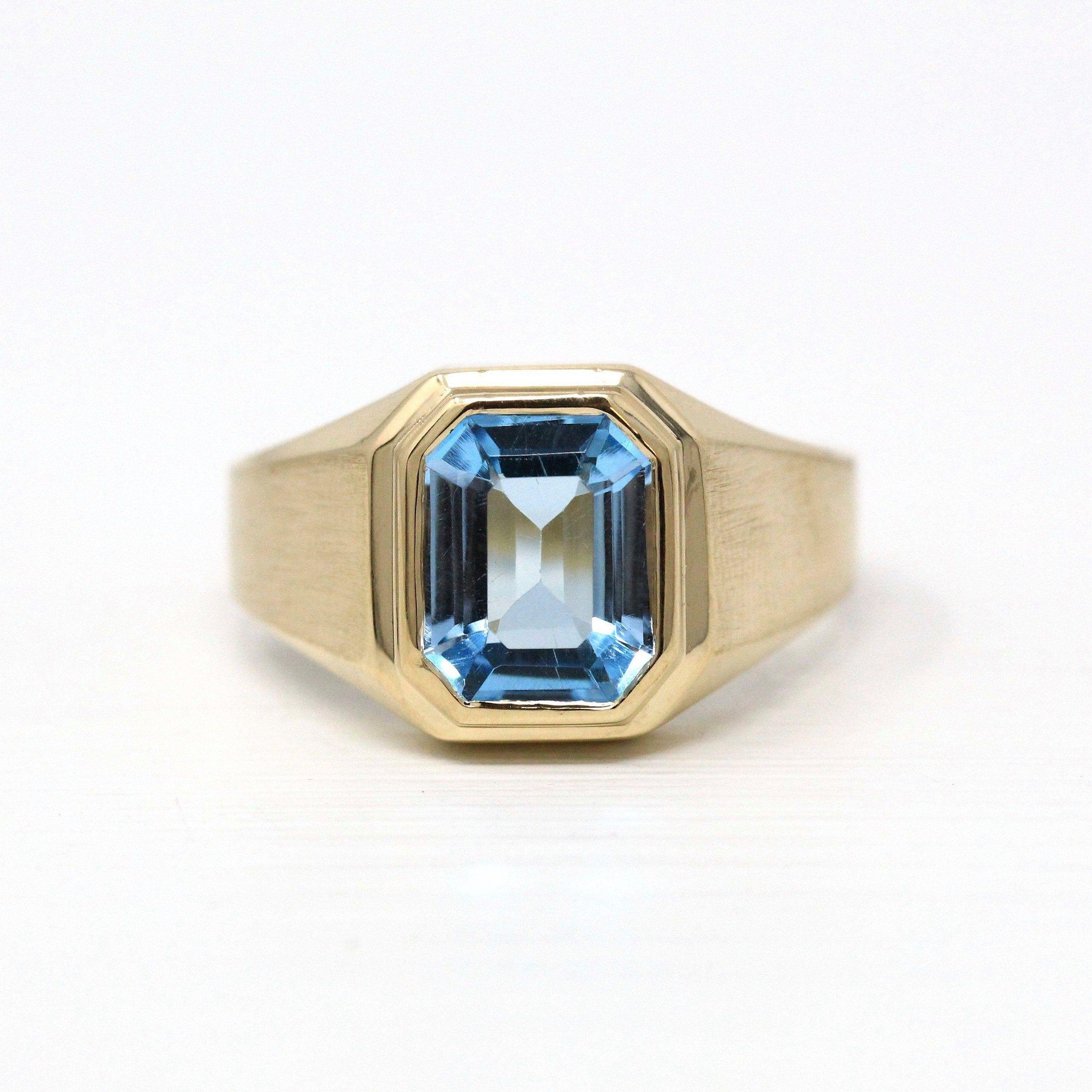 Vintage Onyx Ring Retro 14k Yellow Gold Genuine .03 CT Diamond Gemstone Circa 1940s Era Size 6 14  Black Fine Jewelry