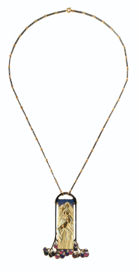 AN ENAMEL AND GOLD PENDANT-NECKLACE BY RENÉ LALIQUE, CIRCA 1900-1902. SIGNED