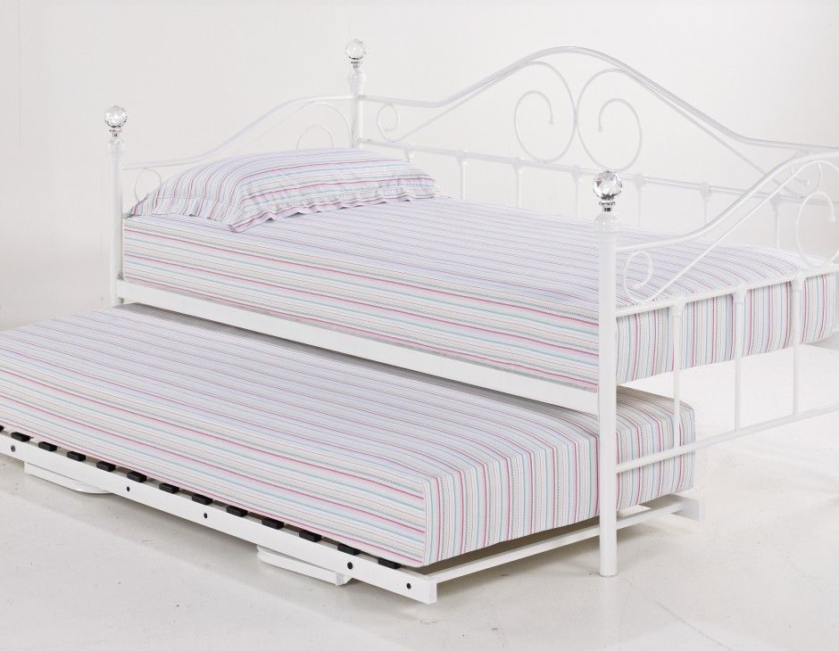 Madrid Metal Day Bed And Trundle White Elegant And Stylish Our Day Bed Is A Great Sleeping And Seat Daybed With Trundle Metal Daybed With Trundle Metal Daybed