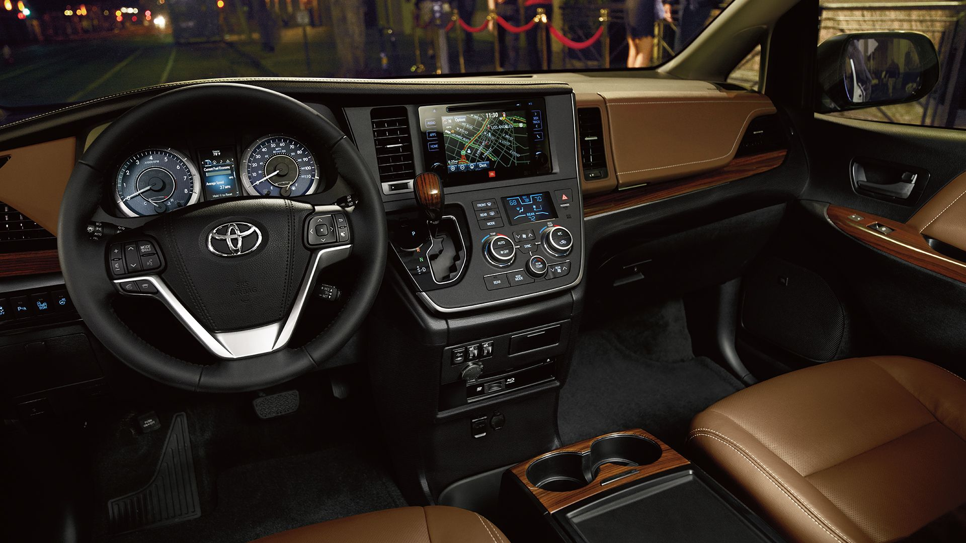 2017 Toyota Sienna Interior Exterior Photos With Images