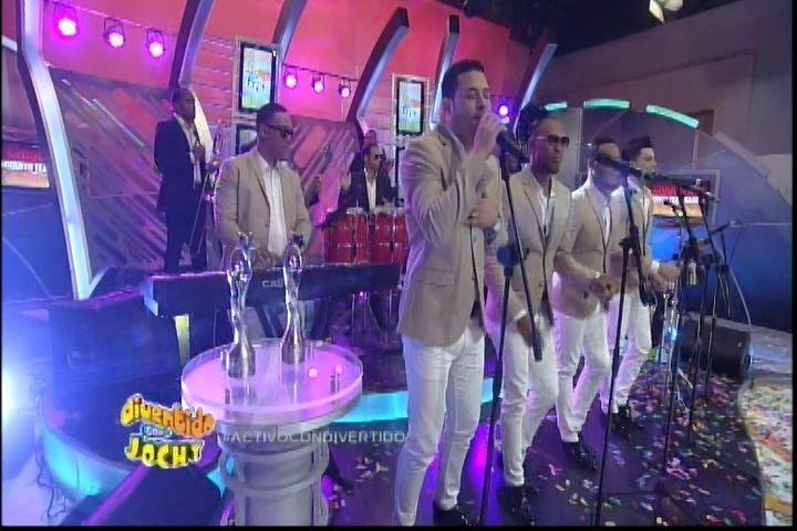 Presentación De La Chiquito Team Band En Divertido Con Jochy
