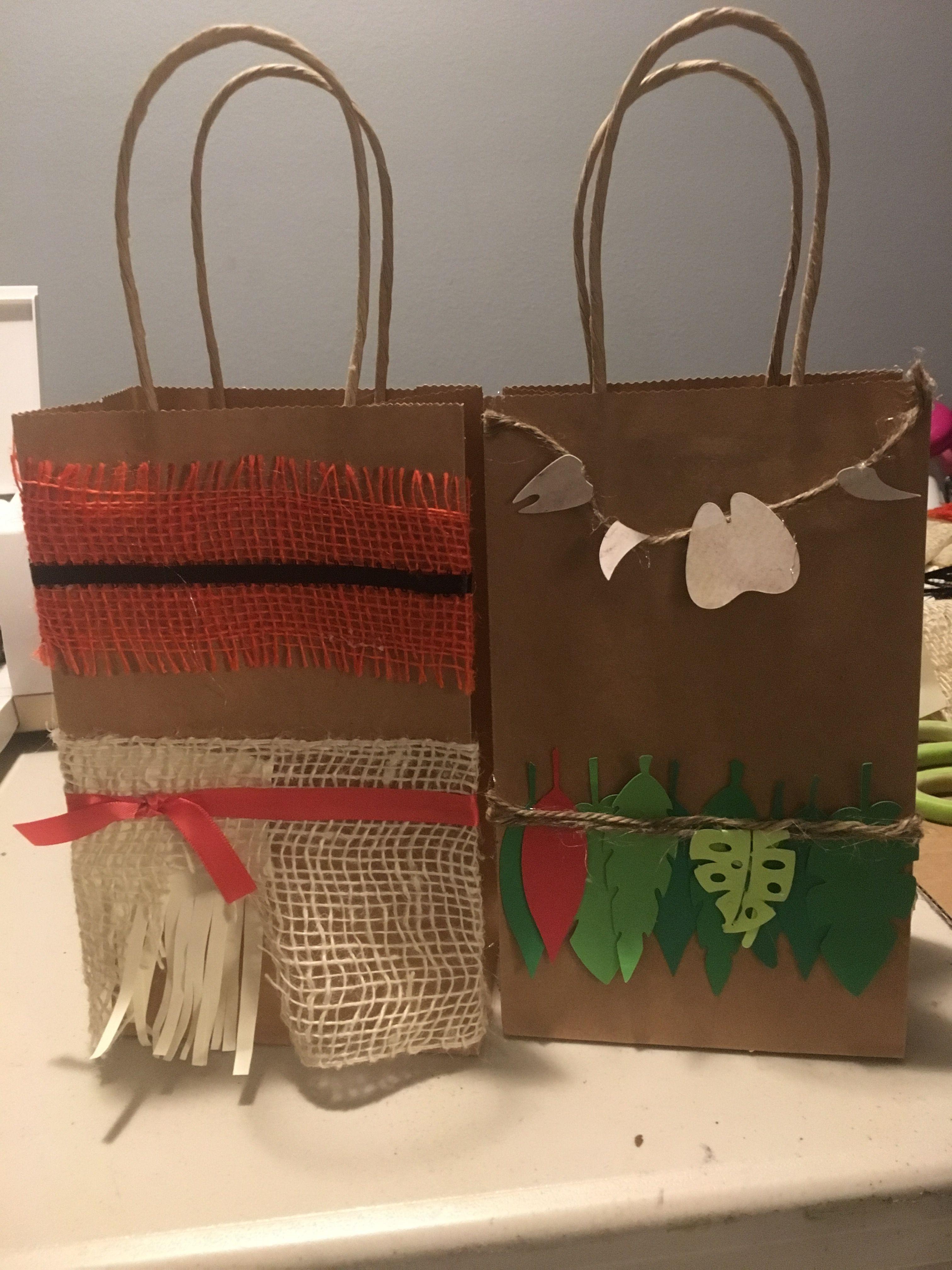Moana And Maui Goodie Bags Random Stuff Pinterest