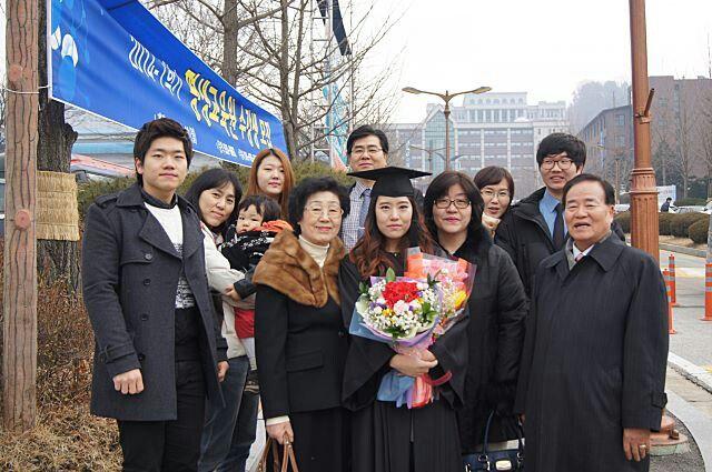 장신익목사의 장녀 대학교 졸업식때의 모습