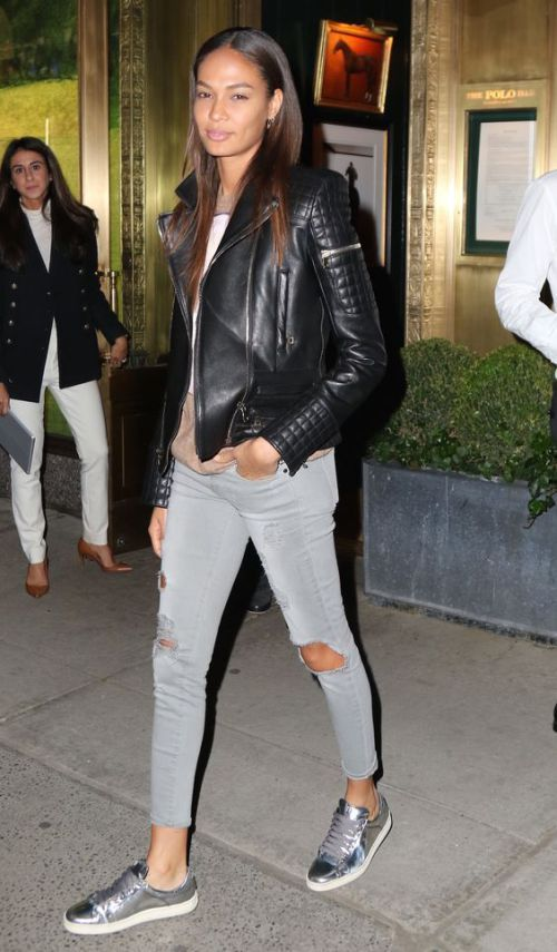 How to style Metallic Sneakers| www